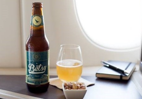 Cathay Pacific introduceert Betsy Beer