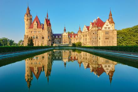 Polen reizen Moszna kasteel