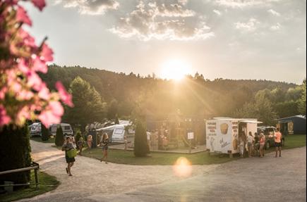 Travolon Camping Letní Den
